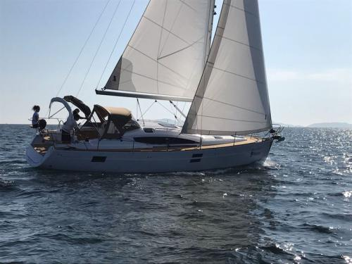 Sailing yacht Elan 40 Impression for hire in Vigo