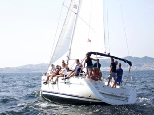 Yacht Sun Odyssey 39i for rent in Vigo